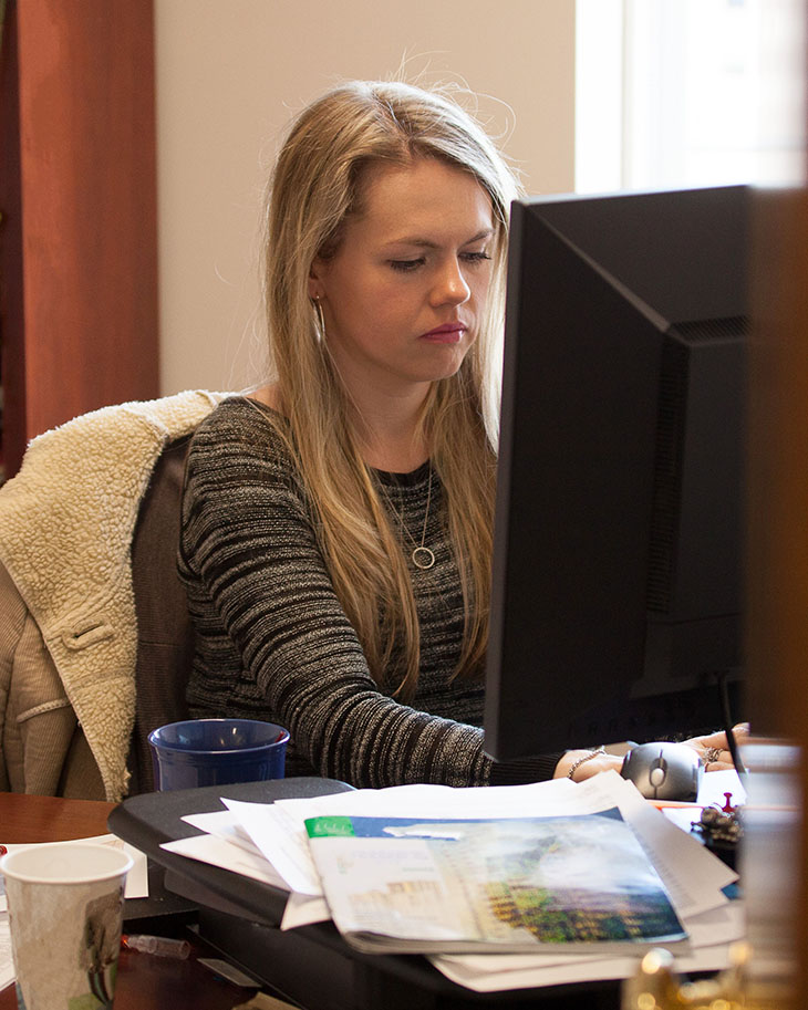 VT-Office-Casual-Female-Monitor-Work (2021)